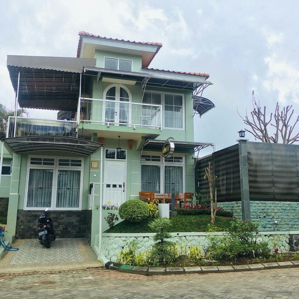 Villa Kota Bunga Blok No 5, Solusi Hunian Nyaman Ketika Liburan di Puncak Cipanas Bogor