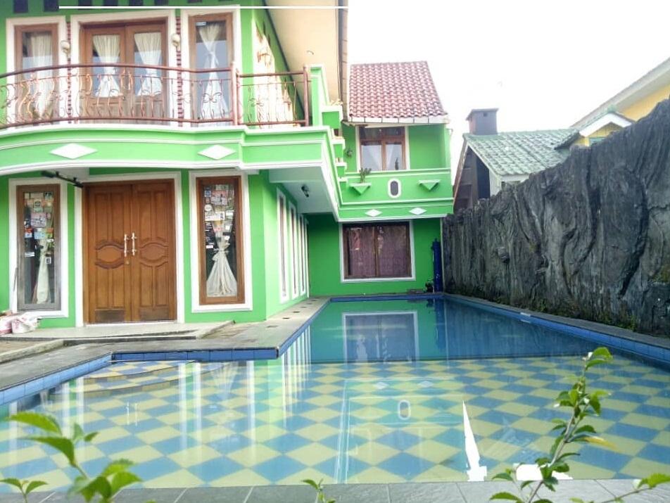 Villa PDR Hijau, Sewa Villa untuk Keluarga Besar Ada Kolam Renang