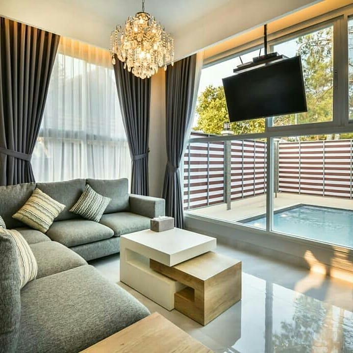 Villa Alwaha B Kota Bunga, Sewa Villa Bergaya Modern yang Nyaman Di Puncak