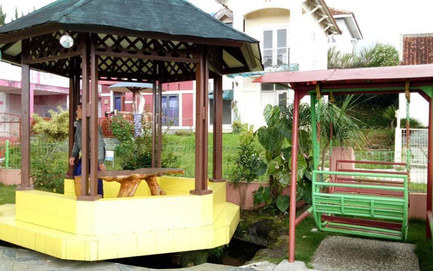 Villa Catur, Lokasi Sekitar Puncak Cipanas Fasilitas Lengkap
