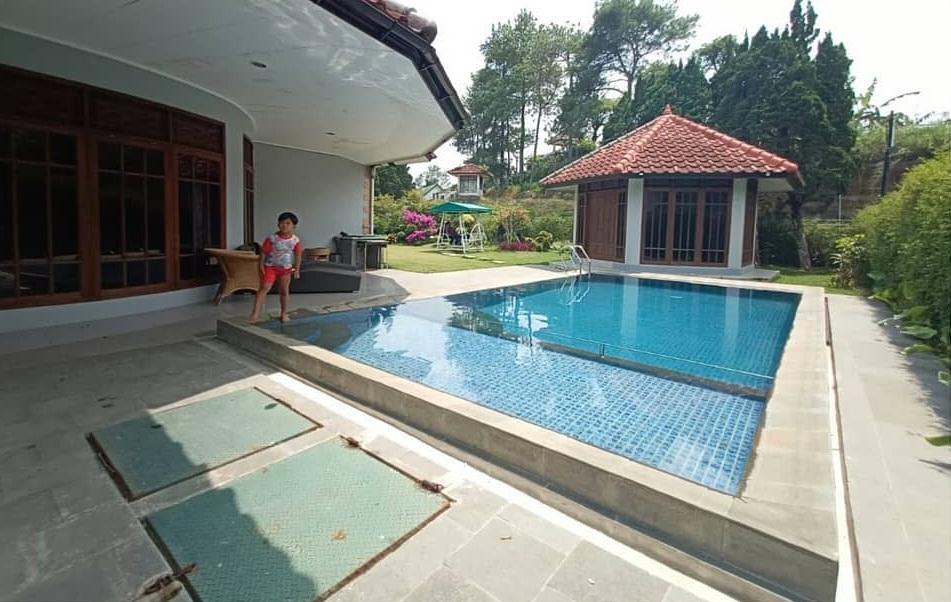 Villa Bougenville A,Villa Cipanas Bersemi Terbaik