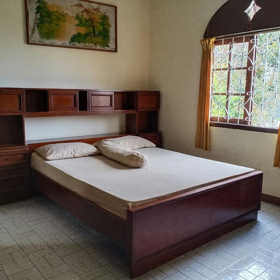 Villa Surya Ciloto, Sewa Villa di Puncak Dengan Pemandangan Perbukitan Indah