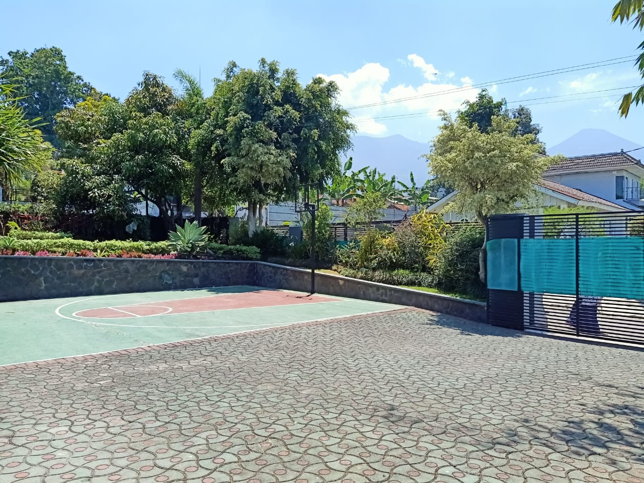 Villa Pasakon, Sewa Villa Indah di Puncak Bogor Bersama Keluarga 4 Kamar Tidur