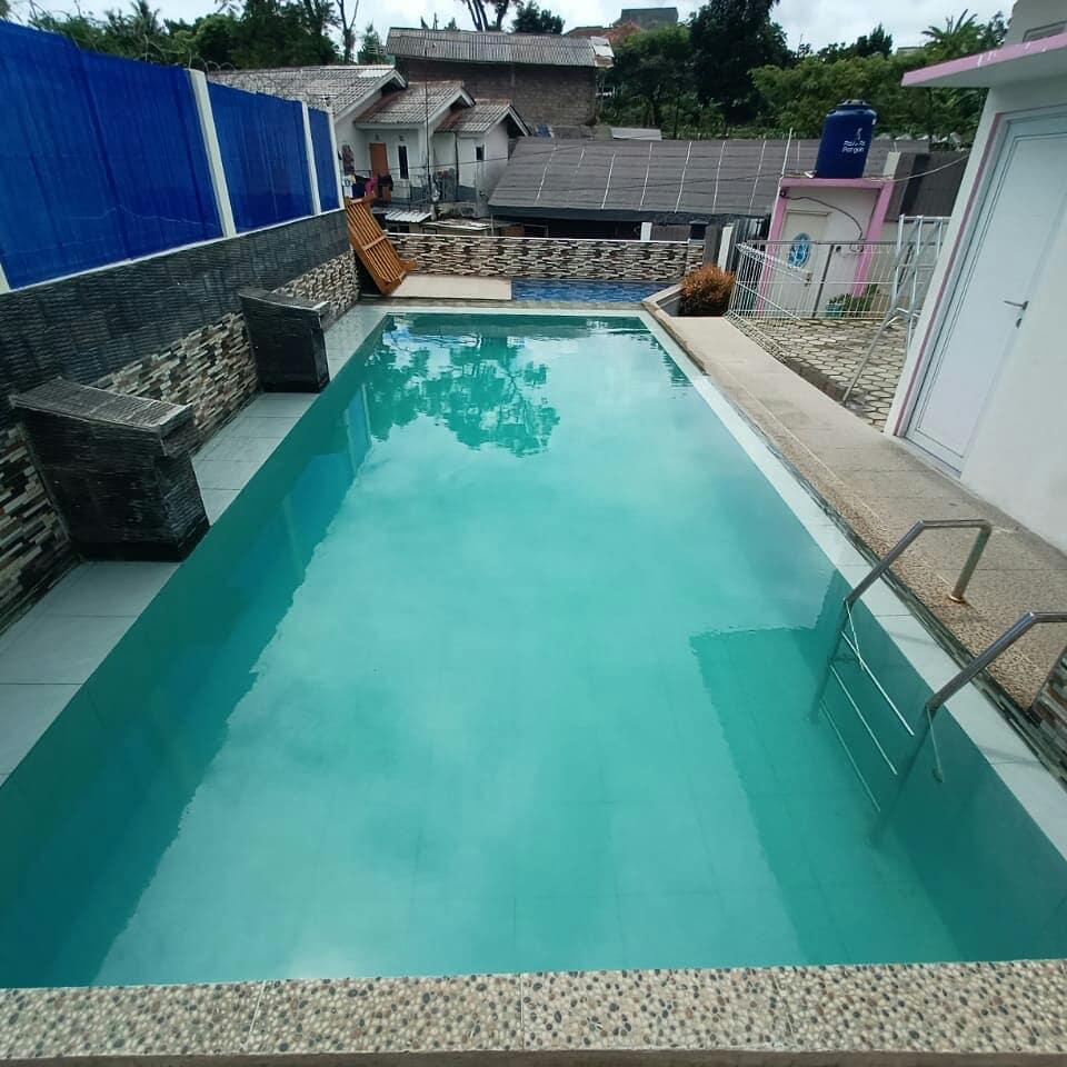 Sewa Villa Sutari Cibodas Cianjur, Ada Kolam Renangnya